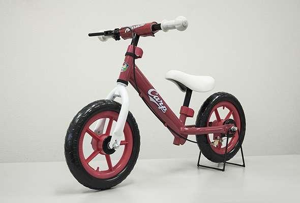 キッズランニングバイク「カープモデル」