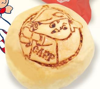 カープなくりーむパン