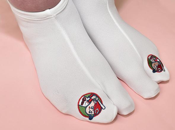 カープ刺繍足袋